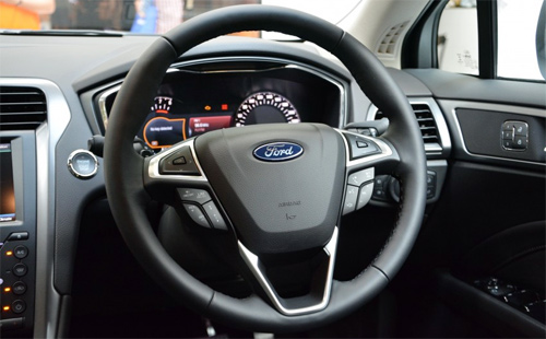 Ford-Mondeo-2015-12.jpg
