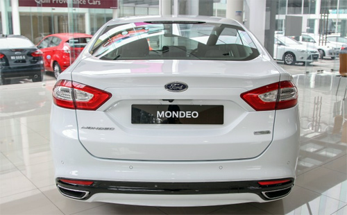 Ford-Mondeo-2015-3.jpg