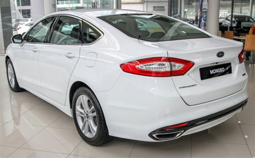 Ford-Mondeo-2015-4.jpg