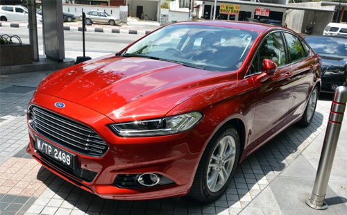 Ford-Mondeo-2015-54-6842-1431422219.jpg