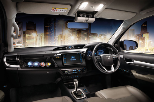 Toyota-Hilux-2016-111.jpg