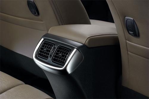 Toyota-Hilux-2016-118.jpg