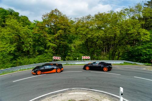 bugatti-veyron-5-7805-1432544566.jpg