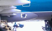 Máy bay Vietnam Airlines dán băng keo chuyên dụng