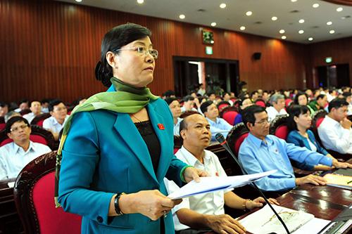 Nguyen-Thi-Quyet-Tam-HCM-8233-1432713742
