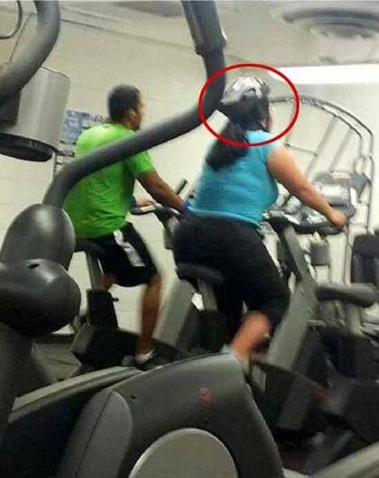 funny-helmet-on-treadmill-fail-4582-5658