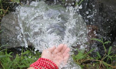 Thung lũng Đồng Nai có hàng chục giếng nước tự phun