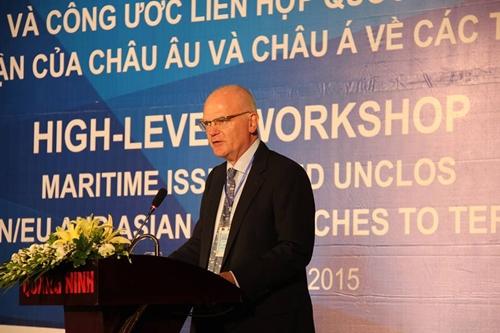 Đại sứ Franz Jessen, Trưởng Phái đoàn EU tại Việt Nam, phát biểu tại hội thảo. Ảnh: http://eeas.europa.eu/