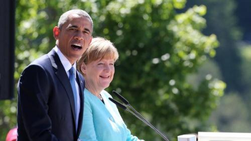 Tổng thống Mỹ Barack Obama và Thủ tướng Đức Angela Merkel phát biểu tại một thị trấngần Schloss Elmau, nơi diễn ra hội nghị.