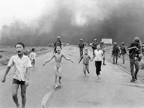 Bức ảnh Em bé Napalm của Nick Út khiến chính phủ Mỹ phải thay đổi chính sách trong chiến tranh Việt Nam