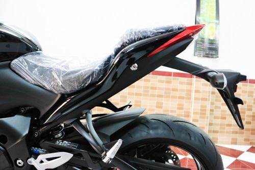suzuki-gsxs1000-12.jpg