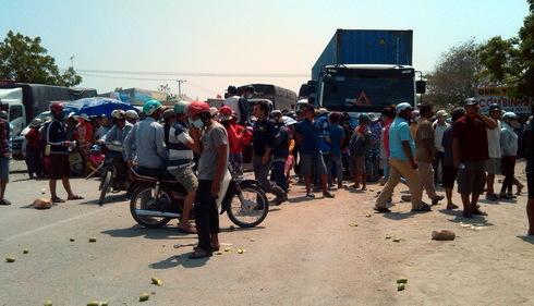 6 người bị bắt trong vụ gây rối, tấn công cảnh sát