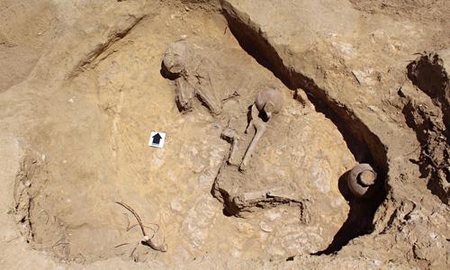 Grave-in-Ethiopia-008-8930-1434018563.jp