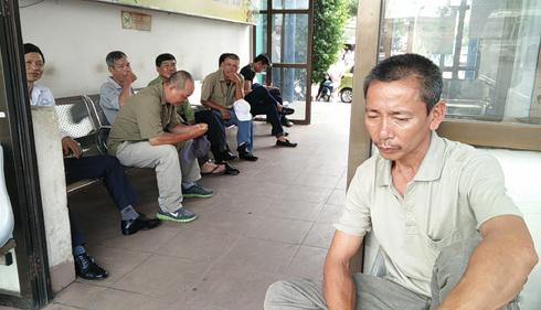 Nhiều người hụt hẫng trước giờ bến xe Tam Bạc đóng cửa