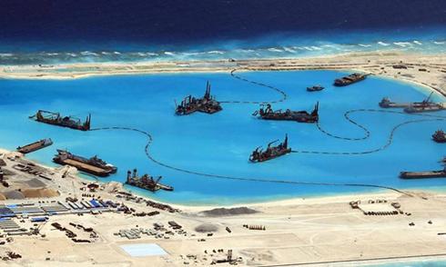 Tuyên bố dừng bồi đắp, Trung Quốc đi nước cờ đôi ở Biển Đông