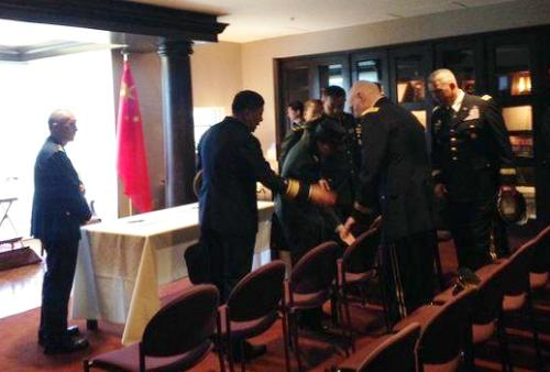 Đằng sau chuyện tướng Trung Quốc yêu cầu ngồi giữa khi họp với Mỹ