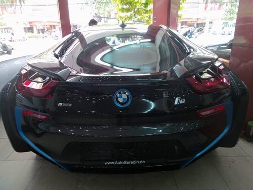 BMW-i8-2-2.jpg