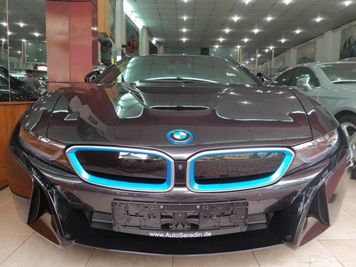 BMW-i8-5-2.jpg