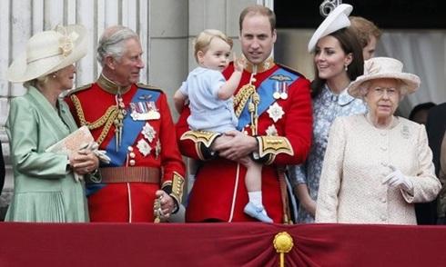 Nữ hoàng Anh có thể phải tạm xa cung điện hoàng gia