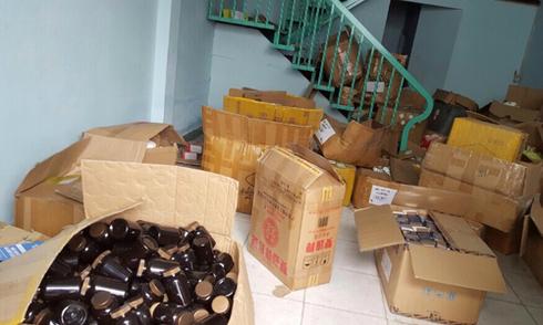 'Lò' sản xuất thực phẩm giảm béo giả ở Sài Gòn