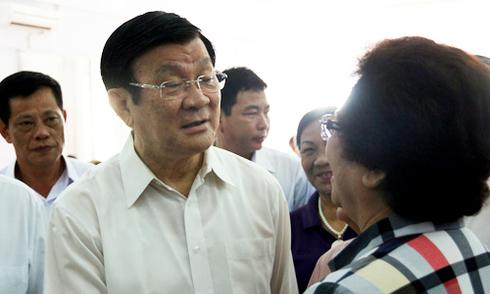 Giao thông Sài Gòn rối loạn vì xe buýt cán chết người