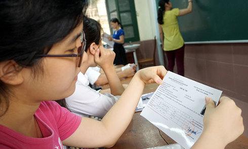 Hơn một triệu thí sinh đến làm thủ tục thi THPT quốc gia