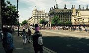 Cảnh sát Anh bị chỉ trích vì cho phép cờ IS xuất hiện trên phố
