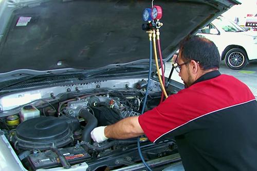 Chăm sóc hệ thống điều hòa xe hơi. >>Xem video.
