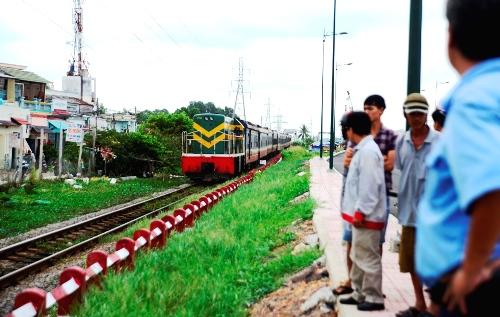 Khu vực người phụ nữ hái rau muống bị tàu hỏa tông chết. Ảnh: Hải Thuận.