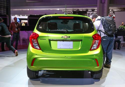 2016-Chevrolet-Spark-108-876x535.jpg