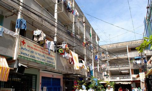 4 chung cư đang chờ sập ở Sài Gòn