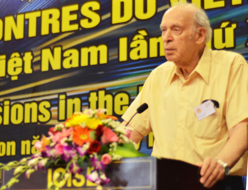 Giáo sư đoạt giải Nobel Vật lý Jerome Friedman đến Bình Định