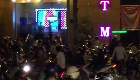 Tú ông lập đường dây mại dâm 100 USD ở Nha Trang