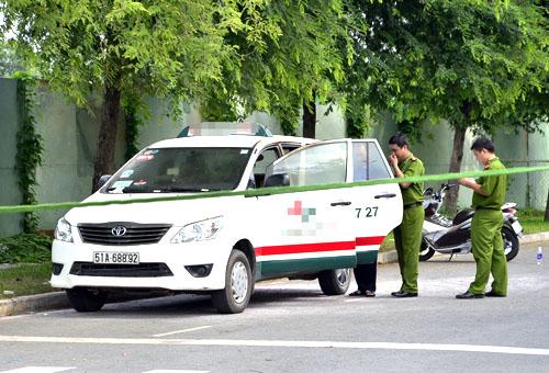 Lực lượng chức năng phong tỏa hiện trường. Ảnh: Hải Thuận.