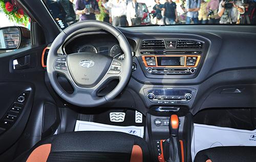 Hyundai i20 Active - đối thủ Ford EcoSport tại Việt Nam