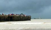 Thời tiết xấu, tàu hải quân gặp khó khi đón khách mắc kẹt ở Cô Tô