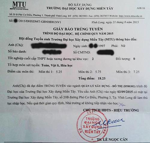 Nhiều thí sinh nhận giấy báo trúng tuyển ngay khi nộp hồ sơ