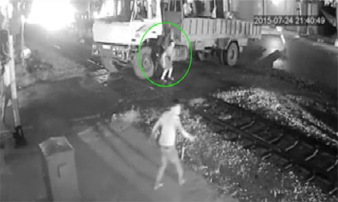 Video tài xế bất lực ngăn tàu đâm xe tải xem nhiều nhất tuần qua