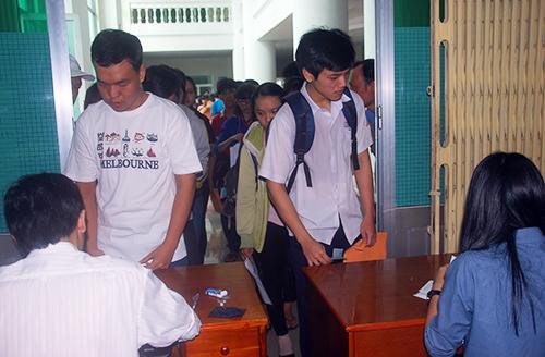 Nhiều trường đại học đã nhận hồ sơ xét tuyển bằng chỉ tiêu