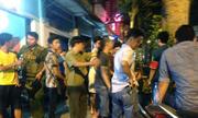 Nghìn người xem 2 thiếu nữ thách đấu ở quảng trường Nguyễn Huệ