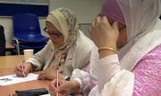 Nước Anh: Nhân viên hành chính công phải thạo tiếng Anh