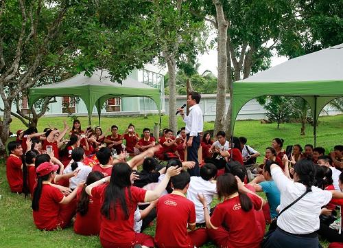 Buổi sinh hoạt ngoại khóa của sinh viên tại khu truyền thống - dã ngoại SIU.