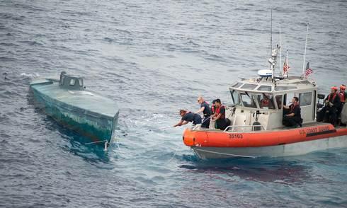 Mỹ chặn bắt tàu nửa nổi nửa chìm chở hơn 7 tấn ma tuý