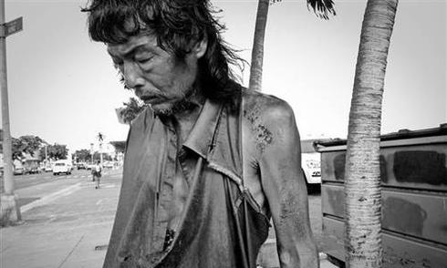 Cuộc hội ngộ bất ngờ của nhiếp ảnh gia với người cha vô gia cư thất lạc