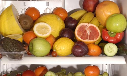 Tại sao trái cây bỏ vào ngăn đá tủ lạnh bị thâm và xốp?