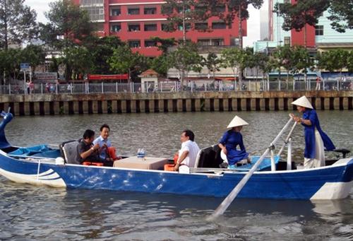 TP HCM mở tour chèo thuyền du ngoạn trên kênh Nhiêu Lộc