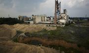 Nhà máy chết mòn đeo bám nền kinh tế Trung Quốc