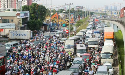 Sài Gòn bùng phát kẹt xe