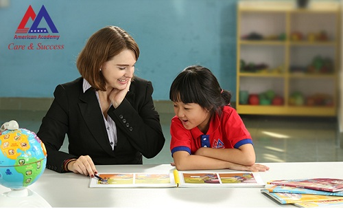 Học một kèm một tạo điều kiện cho bé học theo đúng năng lực của mình.