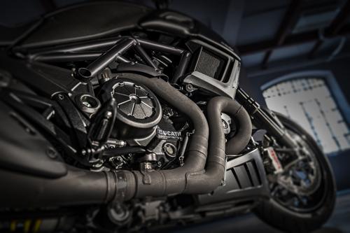 Ducati-Diavel-Carbon-Motore.jpg